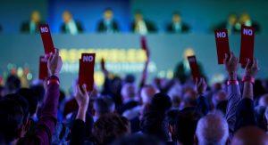GRAF764. BARCELONA, 20/10/2018.- Un momento de la votación la Asamblea de Compromisarios del FC Barcelona. EFE/Alejandro García 4651#Agencia EFE